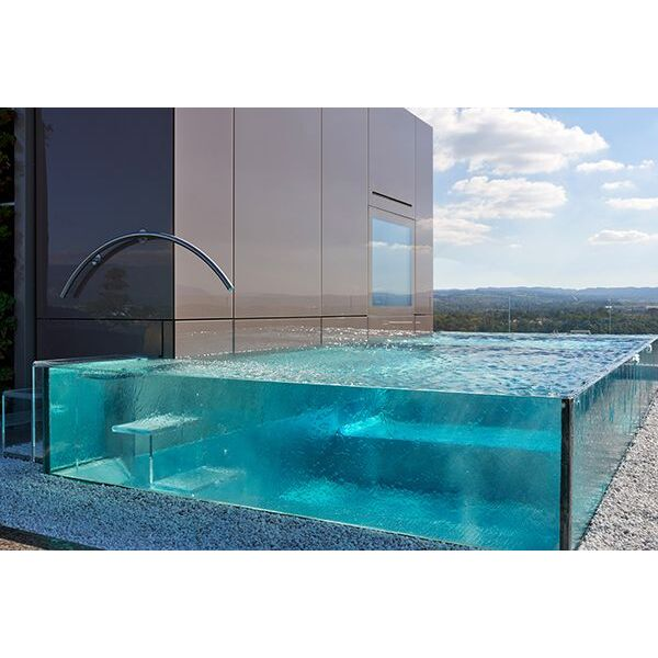 piscines aux parois en verre carr bleu piscine enterr e piscines carr bleu. Black Bedroom Furniture Sets. Home Design Ideas