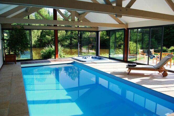 les plus belles photos de piscines int rieures avec baie vitr e piscines bien tre par l. Black Bedroom Furniture Sets. Home Design Ideas