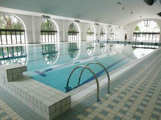 Nage et bien être à la piscine du Palais des Sports de Puteaux