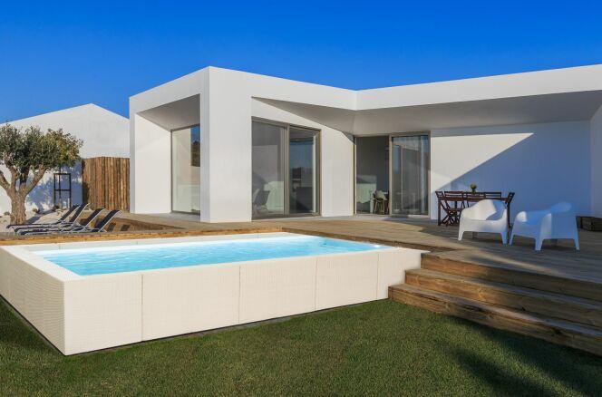 Piscines Laghetto : modèle Dolce Vita - finition Diva Blanc