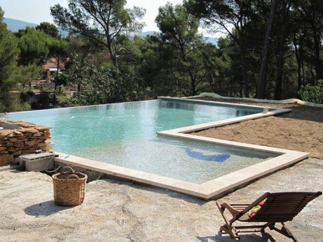piscines marinal leurs plus belles r alisations piscine b ton monobloc forme libre photo 2. Black Bedroom Furniture Sets. Home Design Ideas