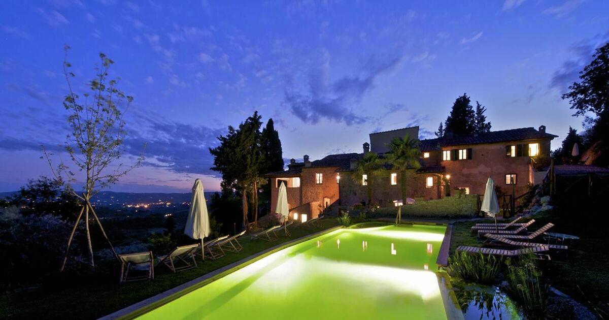 piscines de charme en harmonie avec la nature piscines naturelles et bio piscines naturelles. Black Bedroom Furniture Sets. Home Design Ideas