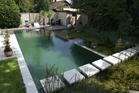 """Bassins de baignade écologique rectangulaire BIOTOP<span class=""""normal italic petit"""">© Living-Pool de BIOTOP - www.baignade-ecologique.com</span>"""
