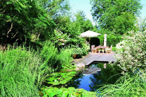 "Piscines naturelles et bassins de baignade écologique BIOTOP<span class=""normal italic petit"">© BIOTOP - www.baignade-ecologique.com</span>"