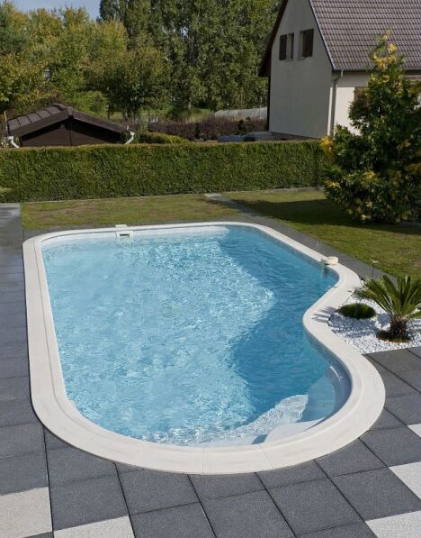 Piscines waterair dans les alpes maritimes nice for Piscine coque alpes maritimes