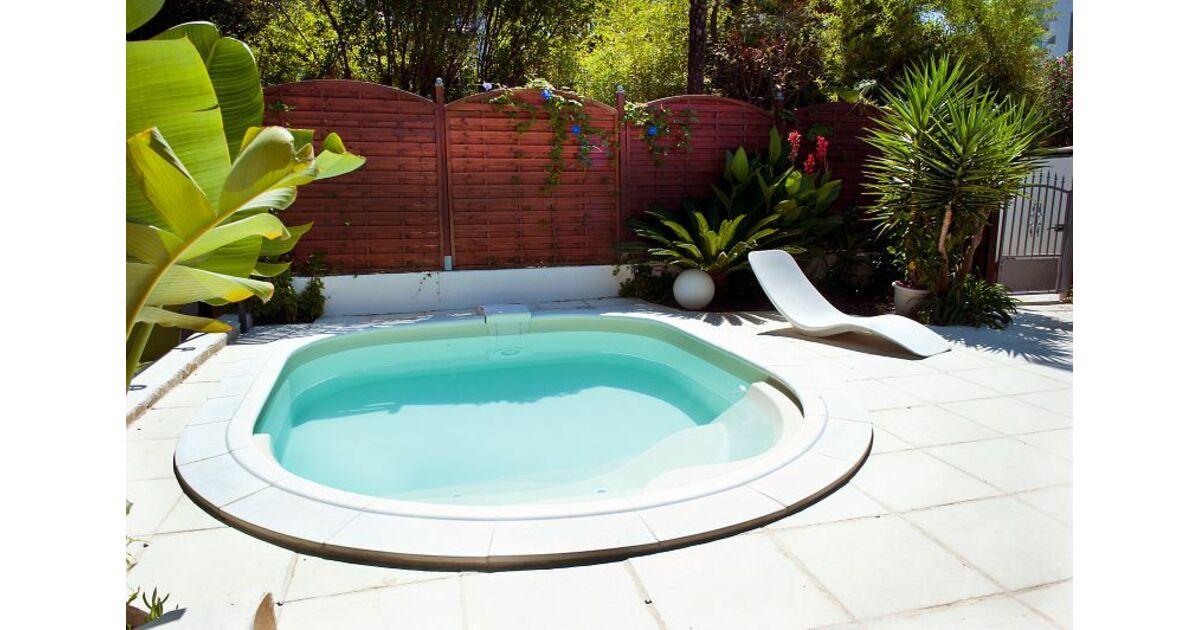 piscines waterair en ard che privas pisciniste ard che 07. Black Bedroom Furniture Sets. Home Design Ideas