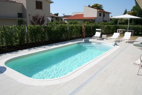 piscines waterair dans le gard n mes pisciniste gard 30. Black Bedroom Furniture Sets. Home Design Ideas