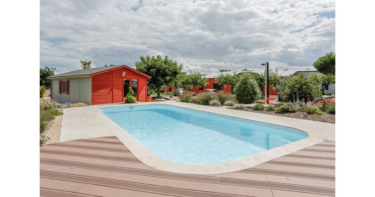 piscines waterair dans le var toulon pisciniste var 83. Black Bedroom Furniture Sets. Home Design Ideas