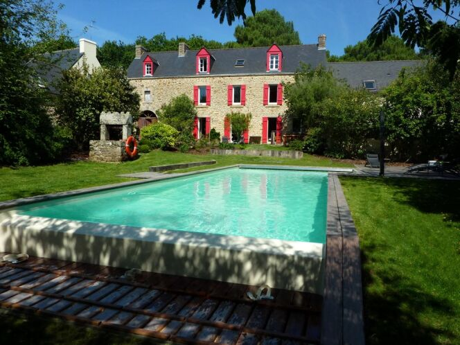 """Le planning d'entretien de votre piscine en été<span class=""""normal italic petit"""">© L'Esprit Piscine</span>"""