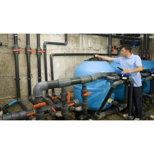 La plomberie d 39 une piscine tuyaux et raccordements for Brancher un aspirateur de piscine
