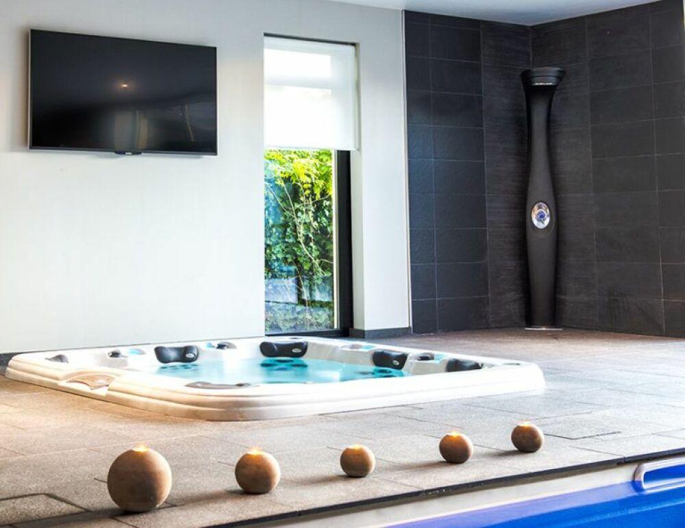 Plus belle réalisation spa pour Aquilus Solesmes (59)© Aquilus Piscines et Spas