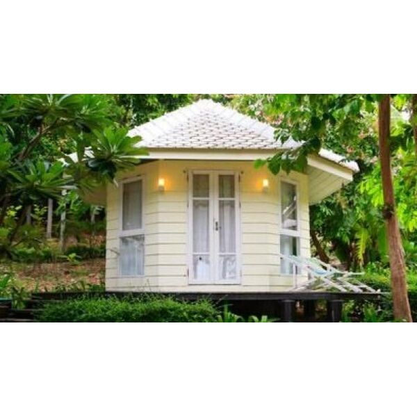 Pool house fa on maison de jardin for Maison jardin piscine