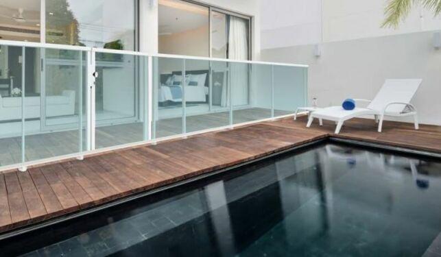 Portillon de piscine pour garde corps aluminium contemporain Aqua