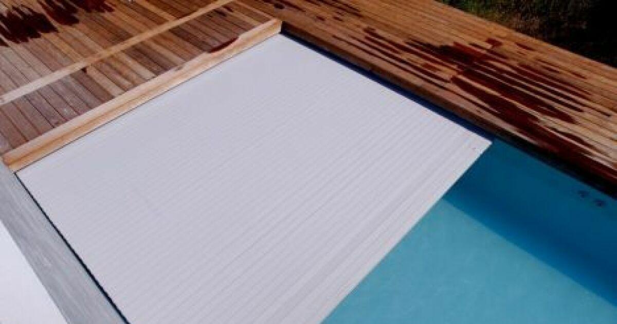 La pose d un volet roulant de piscine simple ou compliqu e for Poser un volet roulant