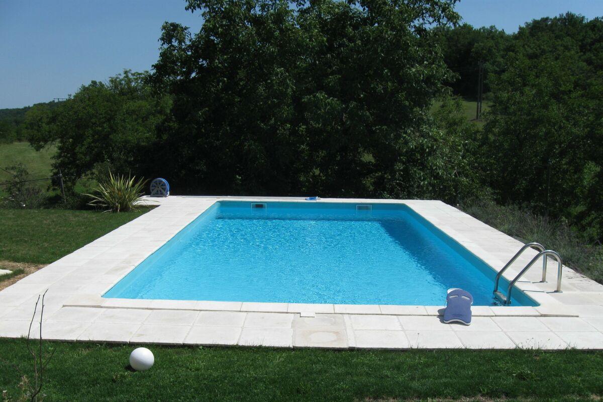 Materiel Piscine La Ciotat pose materiel de piscines à nages-et-solorgues, pisciniste