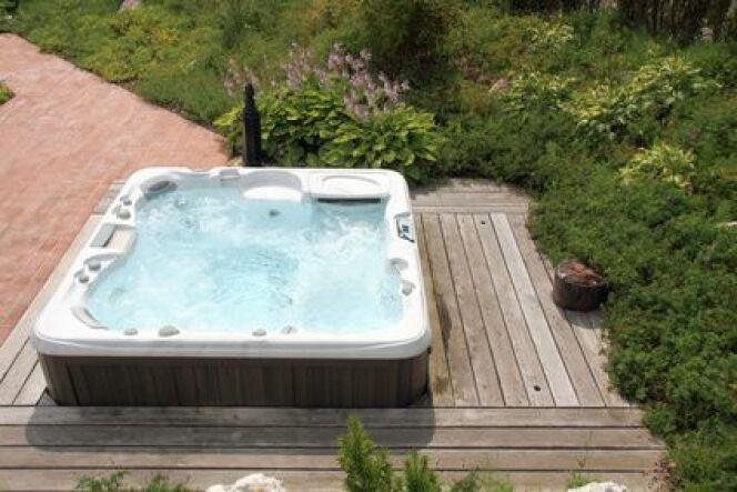 Poser un spa sur une terrasse