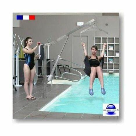 """Potence de piscine motorisée pour personne handicapé<span class=""""normal italic petit"""">© Aquagyms</span>"""