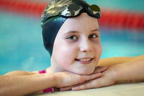 """Le bonnet de bain permet de limiter les risques de transmission de poux à la piscine <span class=""""normal italic"""">© Fotolia</span>"""