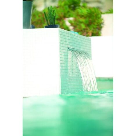 """Powerfall, lame d'eau pour piscine, Zodiac<span class=""""normal italic petit"""">© Zodiac Pool Care</span>"""