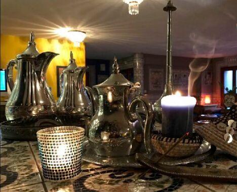 Prenez un thé à l'Alhambra
