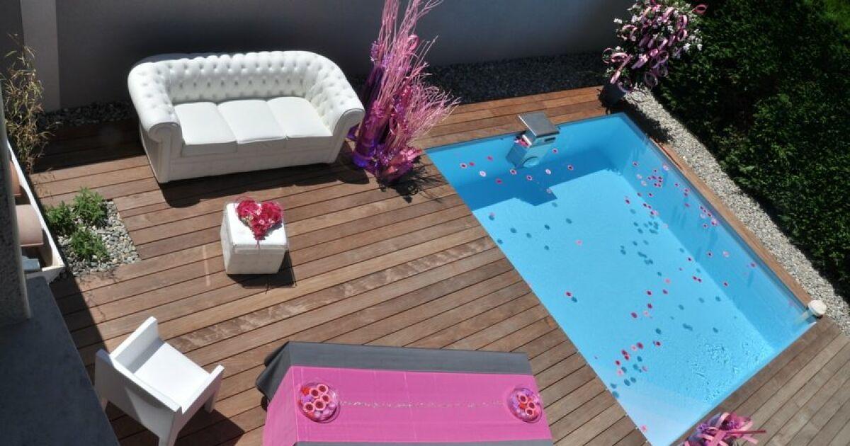 Au printemps comment am nager l espace autour de votre - Amenagement autour piscine bois ...