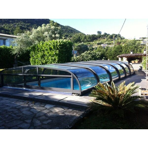 le prix d 39 un abri de piscine mi haut. Black Bedroom Furniture Sets. Home Design Ideas