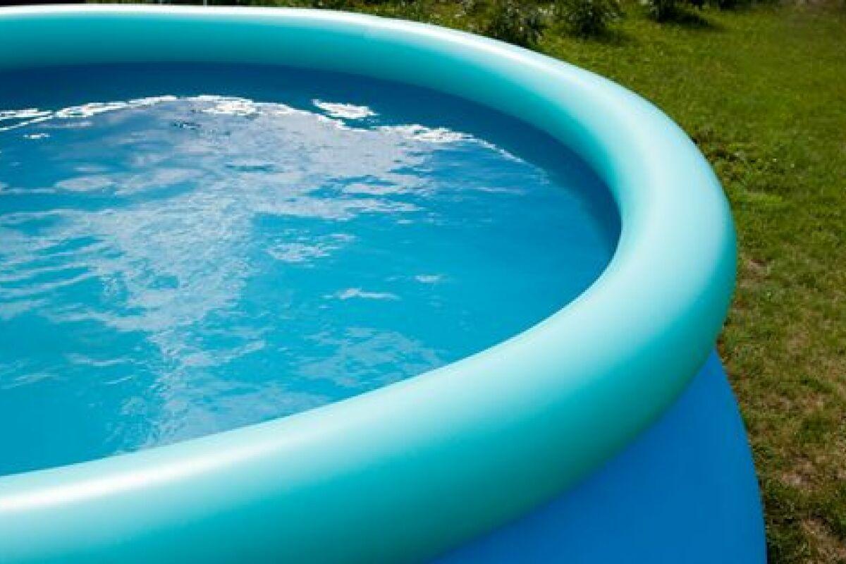Piscine A Moins De 100 Euros le prix d'une piscine gonflable : un faible investissement