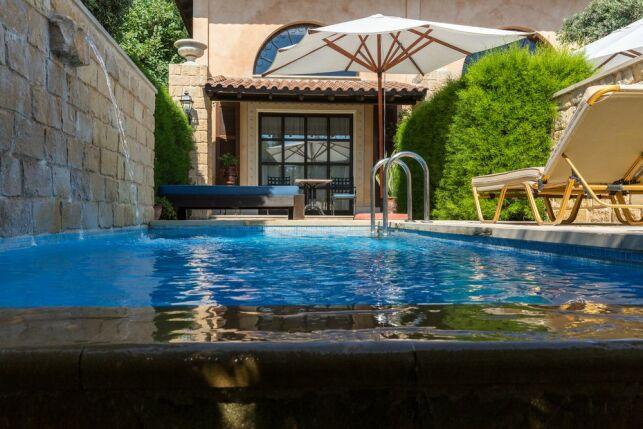 Prix et tarif d'une piscine à débordement