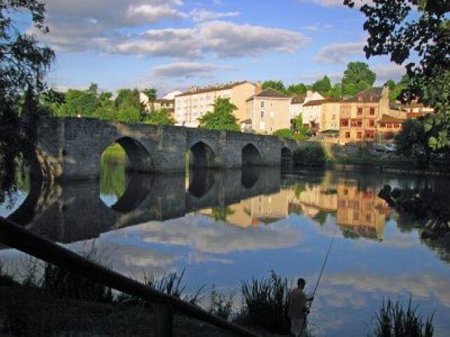 Profitez de votre cure thermale dans le Limousin pour découvrir Limoges et le fameux Pont Saint Etienne.