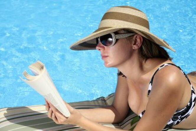 """Grâce au programmateur, vous pouvez profiter de votre piscine sans contrainte !<span class=""""normal italic petit"""">© Alex Bramwell - Fotolia.com</span>"""