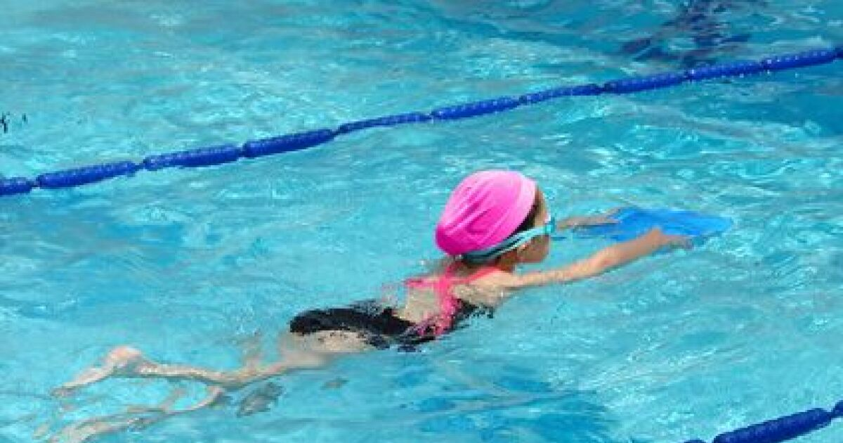 Programme d 39 chauffement pour les enfants en natation - Nager dans la piscine ...