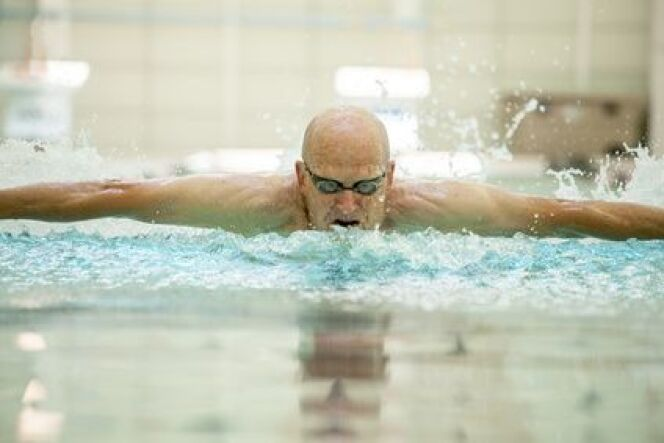 "Programme de natation pour seniors  <span class=""normal italic petit"">© Wollwerth Imagery</span>"