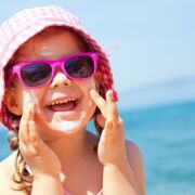 Coup de chaleur : comment protéger votre enfant ?