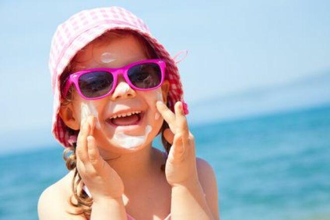 """Coup de chaleur : comment protéger votre enfant ?<span class=""""normal italic petit"""">© yanlev - Fotolia.com</span>"""
