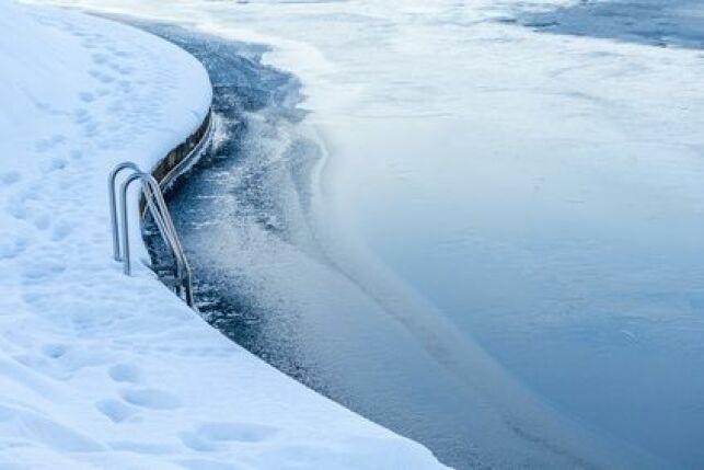 Protéger sa piscine du gel