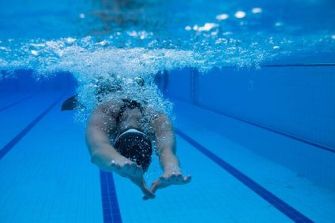 """Protéger ses genoux en natation<span class=""""normal italic petit"""">DR</span>"""