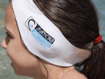 Protéger ses oreilles à la piscine : bouchons d'oreilles et bandeau