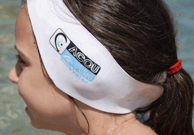Le bandeau d'oreilles protège vos oreilles de l'eau de la piscine