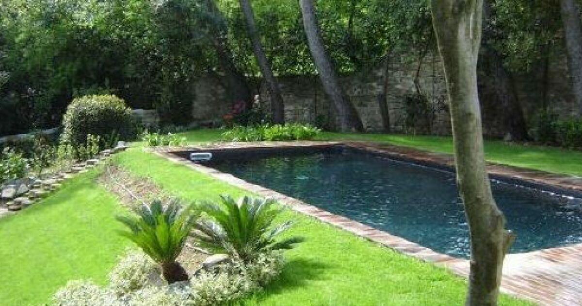 Qu est ce qu un skimmer de piscine et comment choisir son emplacement - Comment changer un skimmer ...