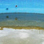 Comment nettoyer le fond d'une piscine ?