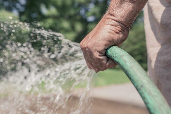 Quel débit d'eau pour remplir sa piscine ?