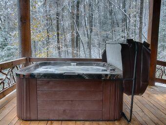 Poids d'un spa à vide et rempli : combien pèse mon spa?