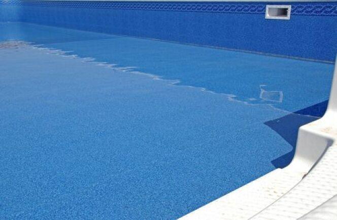 """Quel revêtement pour votre piscine en panneaux modulaires<span class=""""normal italic petit"""">© Mark Winfrey</span>"""