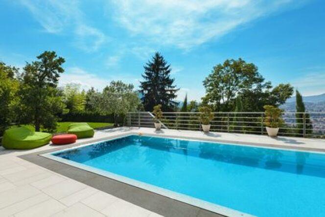 "Quel sel choisir pour ma piscine ?<span class=""normal italic petit"">© alexandre zveiger - Fotolia</span>"