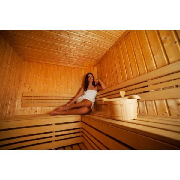 un sauna en kit ou un sauna sur mesure. Black Bedroom Furniture Sets. Home Design Ideas
