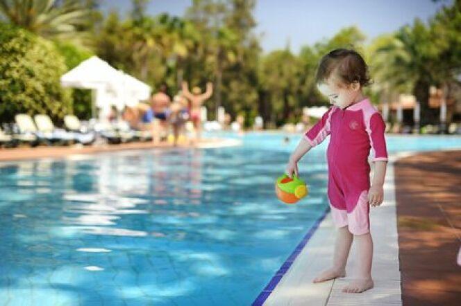 """Quel maillot de bain pour votre bébé<span class=""""normal italic petit"""">© Fotolia</span>"""