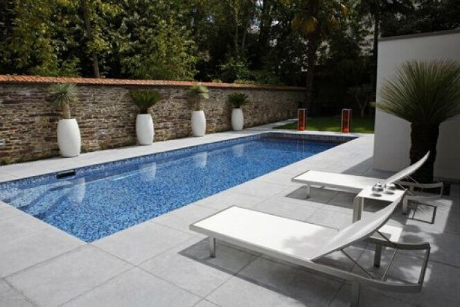 """Quelle couleur pour mon liner de piscine ?<span class=""""normal italic petit"""">© Piscines Caron</span>"""