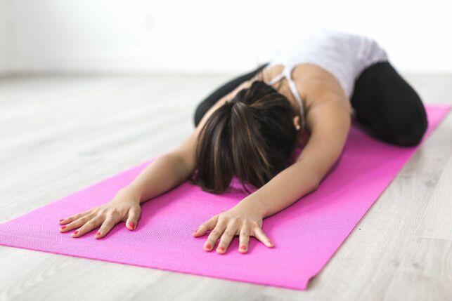 Quelle est la différence entre la sophrologie et le yoga ?