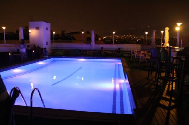 Quelle puissance choisir pour votre éclairage de piscine ?