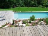 Quelles fleurs planter à coté d'une piscine ?